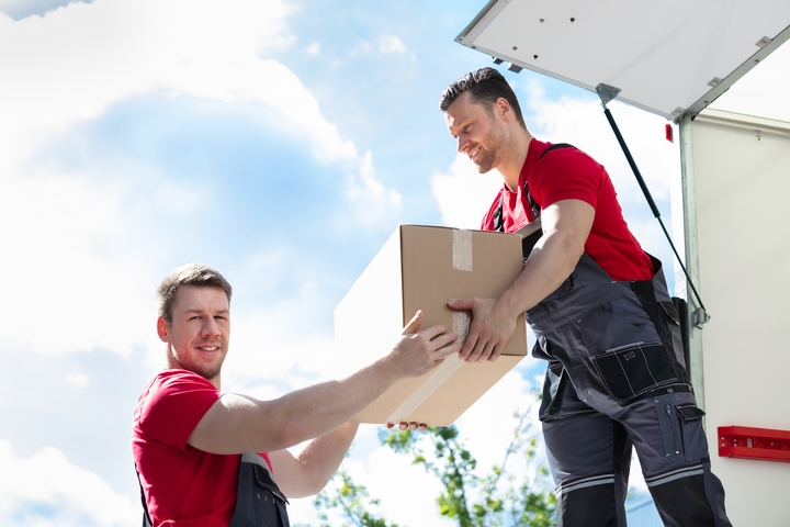 5 Reasons to Hire Movers on Moving Day