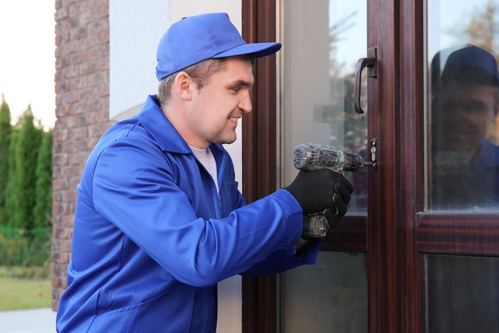 4 Benefits of Using a Professional Locksmith Service