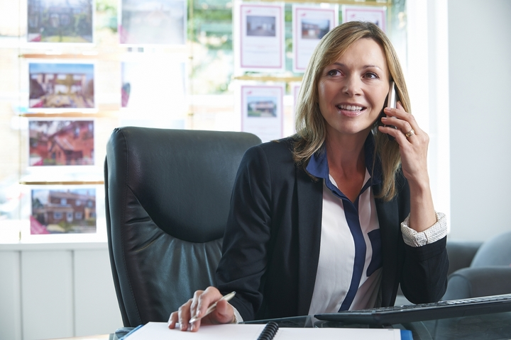 6 Fun Ways to Stay in Touch with Real Estate Clients