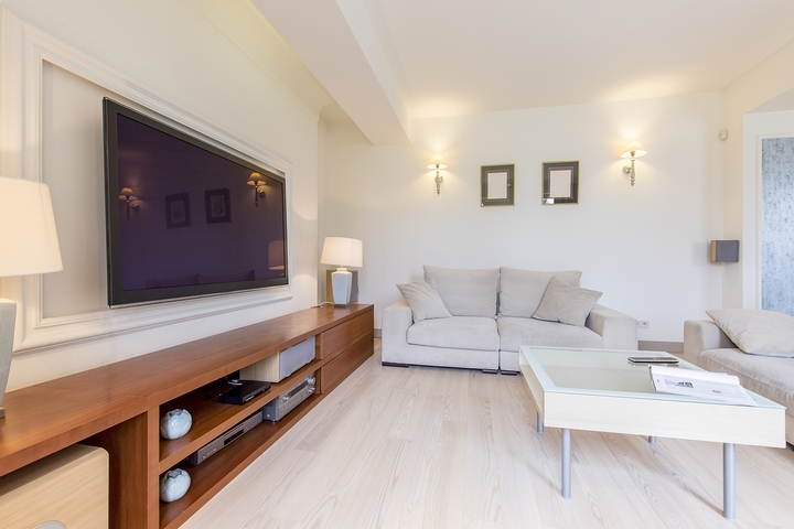 5 Different Living Room Ideas with the TV Position
